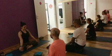 Lezione di Yoga presso la scuola di danza Dancing Time a Campagnano di Roma