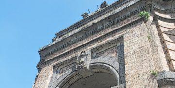 L'arco di Porta Romana a Campagnano di Roma