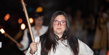 La sfilata in notturna delle contrade alla Festa del Baccanale 2019 di Campagnano di Roma